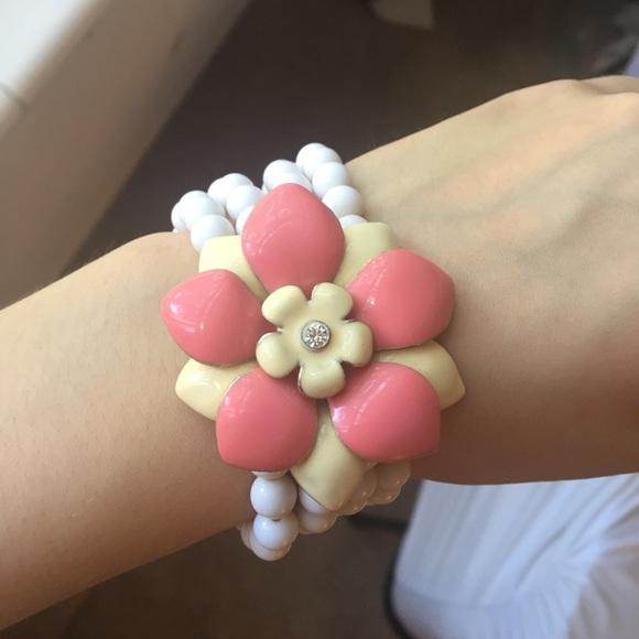 a9ce395e53 Stretch flower bracelet 💕